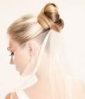 Coafuri de nunta: cocul strans
