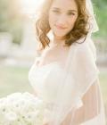 Coafuri de nunta: par lung, lasat liber si voal de mireasa