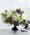 culori-nunta-tendinte-alb-gri-inchis-decoratiuni-buchete-flori-4