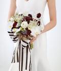 culori-nunta-alb-negru-rosu-auriu-galben-decoratiuni-flori-buchete-15