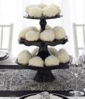 culori-nunta-alb-negru-rosu-auriu-galben-decoratiuni-flori-buchete-24