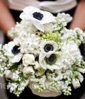 culori-nunta-alb-negru-rosu-auriu-galben-decoratiuni-flori-buchete-27