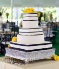 culori-nunta-alb-negru-rosu-auriu-galben-decoratiuni-flori-buchete-32