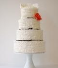culori-nunta-alb-negru-rosu-auriu-galben-decoratiuni-flori-buchete-38