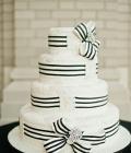 culori-nunta-alb-negru-rosu-auriu-galben-decoratiuni-flori-buchete-40