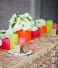 culori-neon-decoratiuni-de-nunta-decor-restaurant-nunta-17