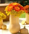 Nunti de toamna: dovleacul ca suport pentru aranjamentele florale