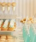 Masute cu dulciuri pentru nunta, cu racoritoare, bomboane si acadele