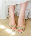 tendinte-nunti_culori-paiete-auriu-sclipici-nunta-43