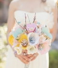 Tendinte: buchete de mireasa cu flori din hartie sau din materiale textile