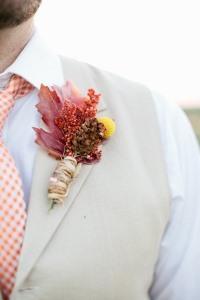 Zeci de idei de cocarde cu flori si diverse a...