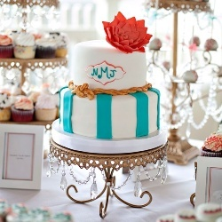Un tort de nunta gustos poate fi si aratos. F...