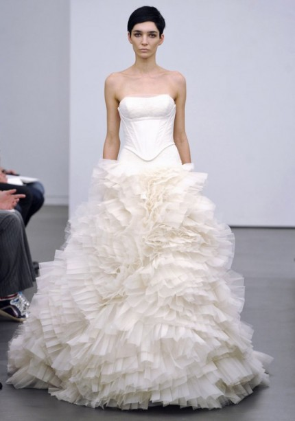 Trenduri rochii de mireasa 2013 Vera Wang